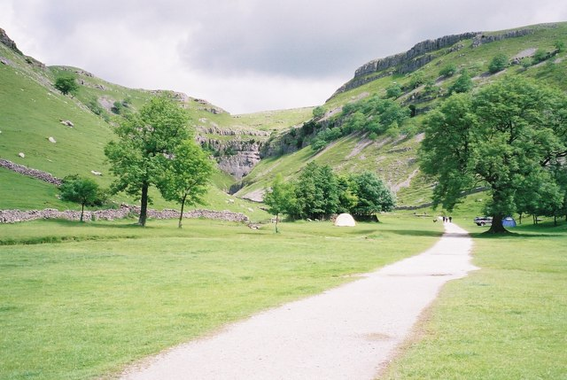 Approach to Gordale Scar