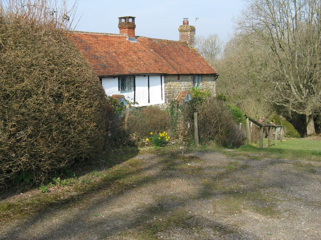 Cottages near Dukes Copse