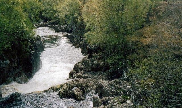 Waterfall on the Abhainn Strath Chromball