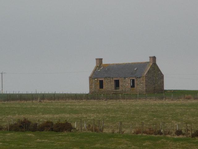Derelict house near Bilbo Farm