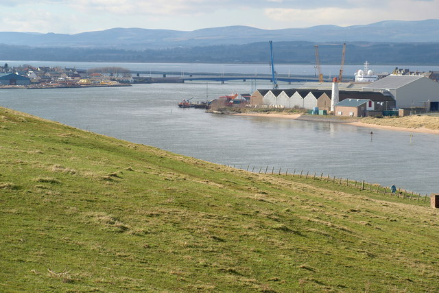 Montrose Road and Rail Bridges and Harbour area