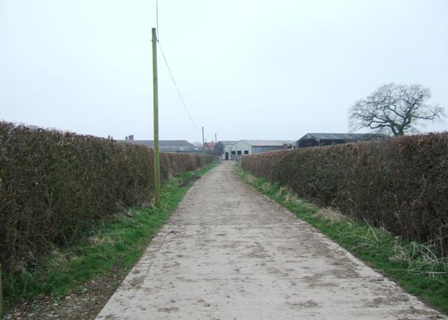 The lane between Hawksmoor Farm and Highfields.