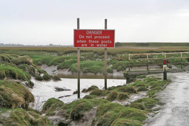 Warning sign at Lades Bridge