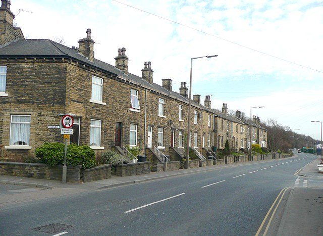 Terrace houses, Wakefield Road (A644), Clifton