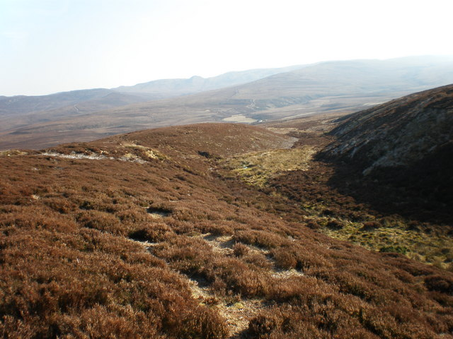 Looking south to bothy from near Carn a' Gharbh-ghlaic
