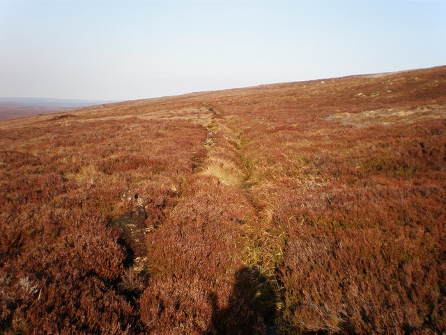 Drainage ditch crossing Carn a' Gharbh-ghlaic