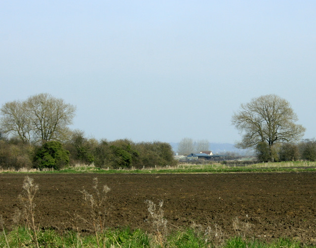 2009 : Overlooking a ploughed field south of Keevil Airfield