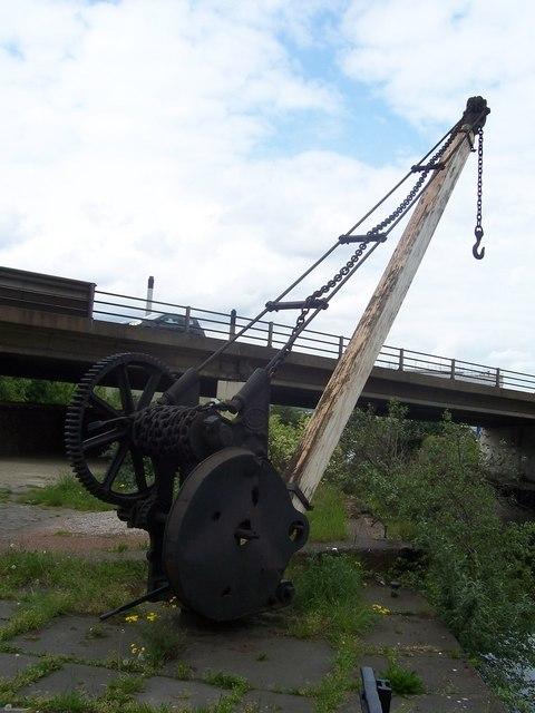 Wharf-side crane