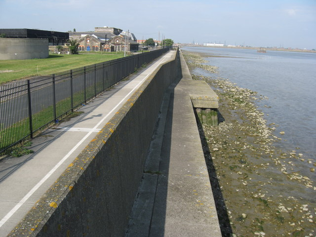 River Wall (River Thames) at Crossness