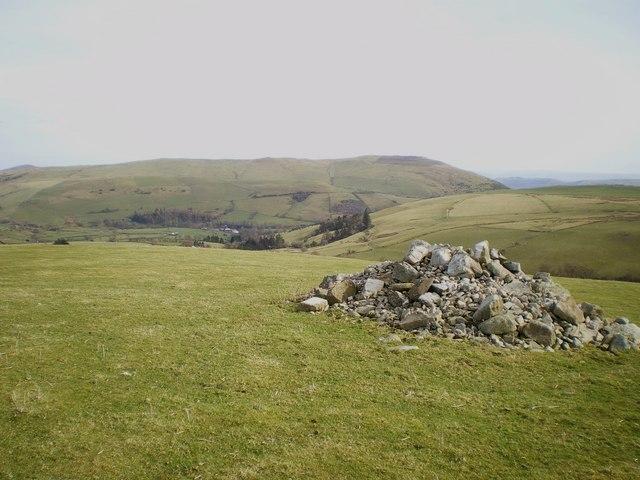 A modern cairn above Bryn-gwyn