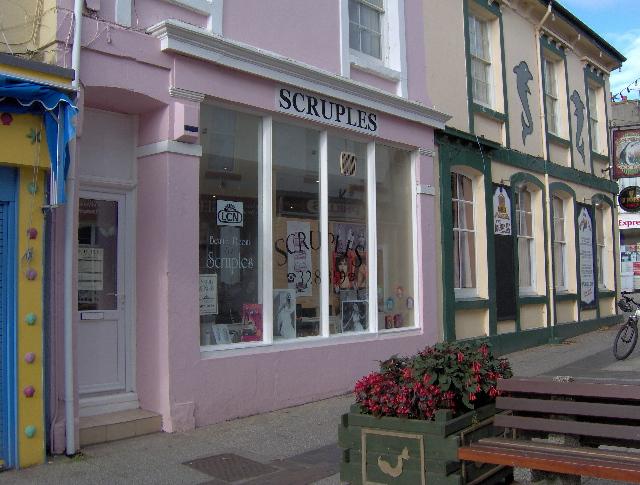 Hairdresser and beauty parlour, St Marychurch precinct