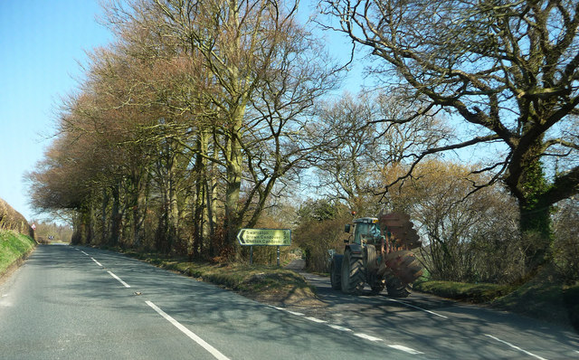 Tractor going down Spiers Lane
