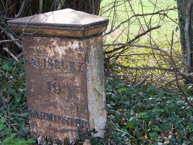 Milepost, Norton Bavant