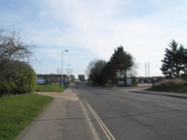 Looking southwards down Southmoor Lane