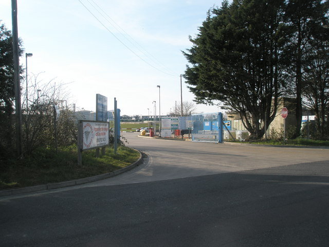 Entrance to the Budd Farm Sewage Treatment Plant in Southmoor Road