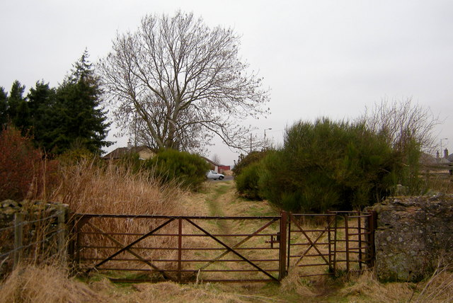 Nearing the end of the Footpath from the B9128 to the A923
