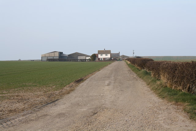 Track up to Wandale Farmhouse