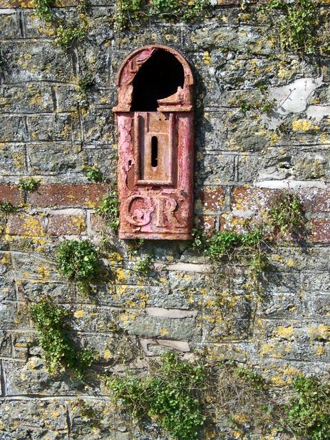 Old postbox, near Tytherington