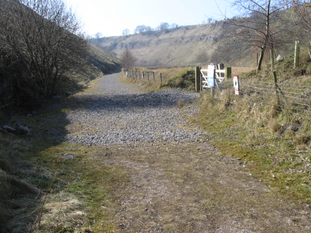 Footpath near Topley Pike Quarry, Deep Dale
