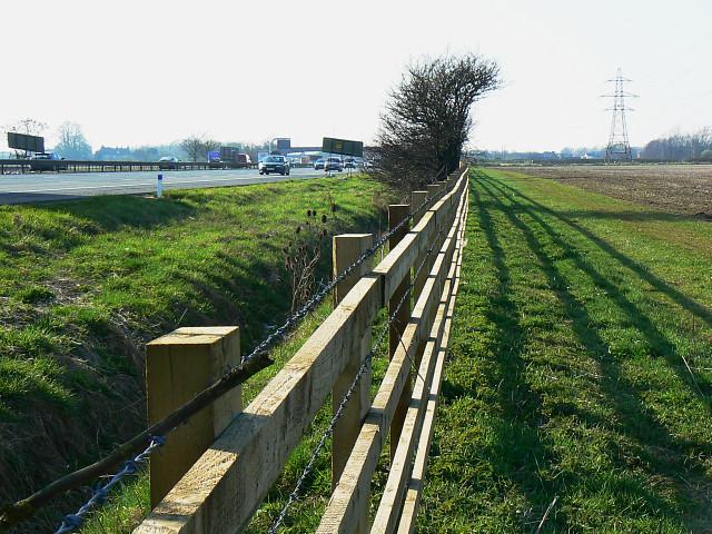 Motorway, fence, footpath and farmland, Hook Street