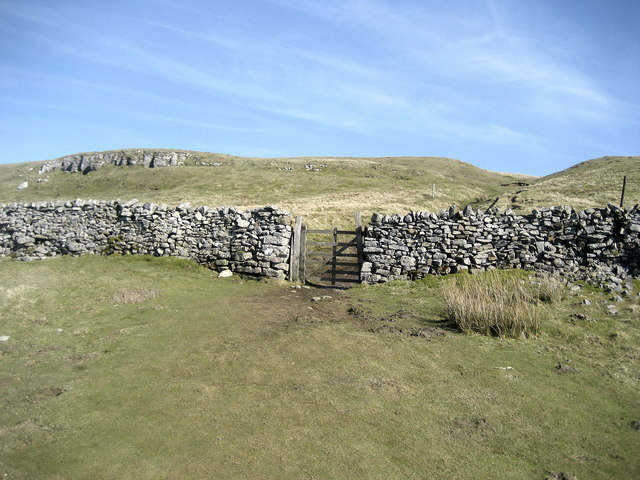 Path to Buckden Pike