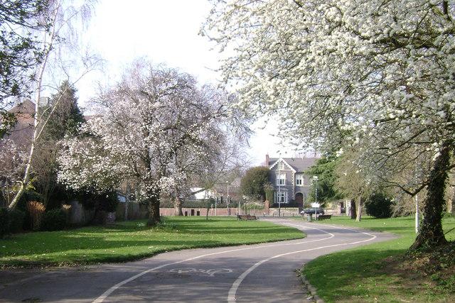 St Nicholas Park, Warwick: Emscote Road entrance