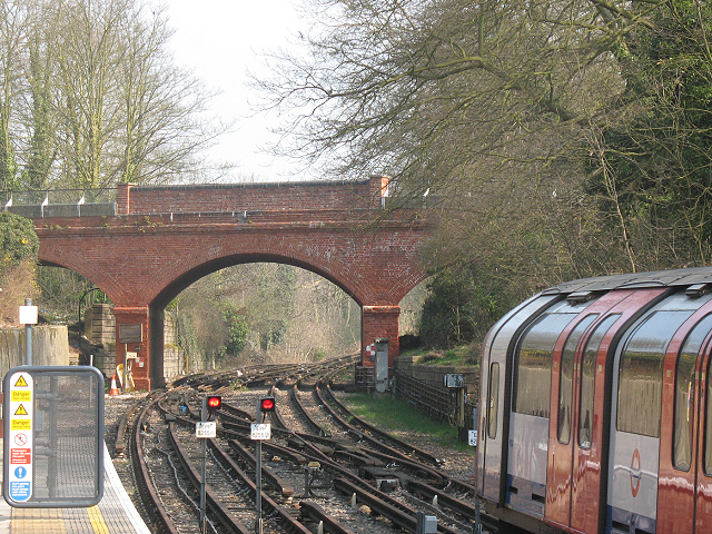 Disused tracks beyond Epping