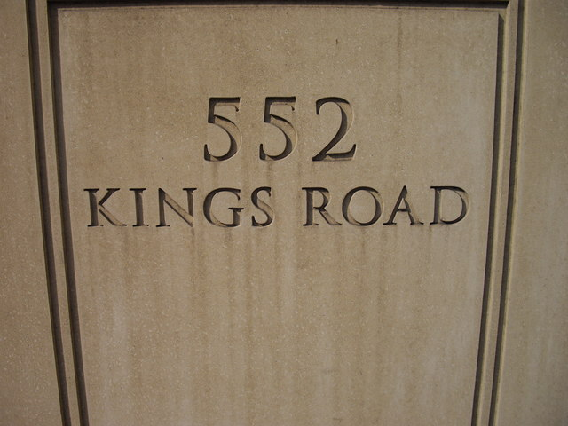 Sign at entrance to 552 Kings Road