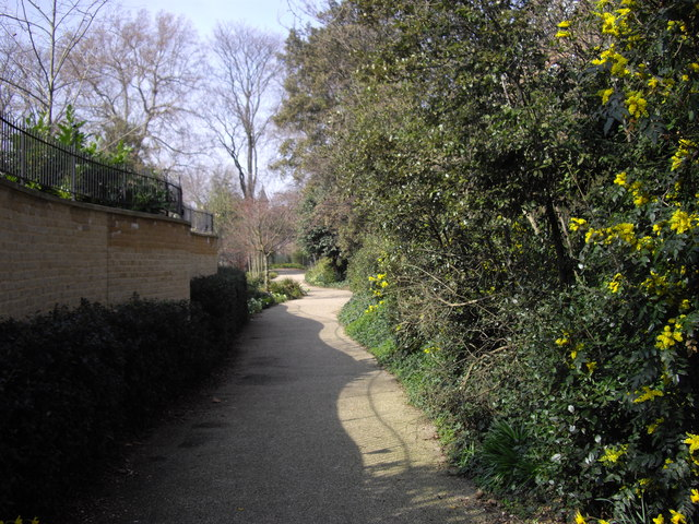 Private footpath between Kings Road and Fulham Road