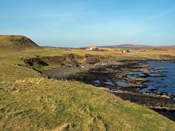 Shoreline north of Harlosh Point