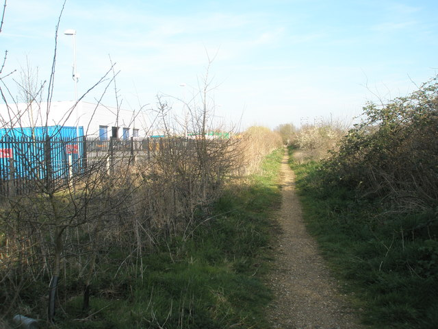 Footpath leading between the end of the industrial estate and Southmoor Nature Reserve