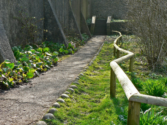Serpentine rail, Dunraven walled garden.
