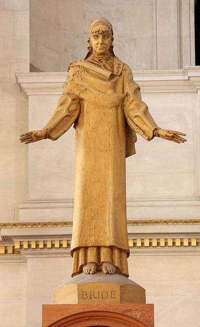 St Bride, Fleet Street, London EC4 - Statue of St Bride