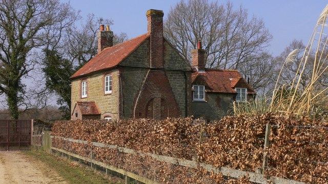 Lodge on footpath near Lurgashall