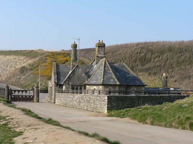 Seamouth Lodge, Dunraven Park.