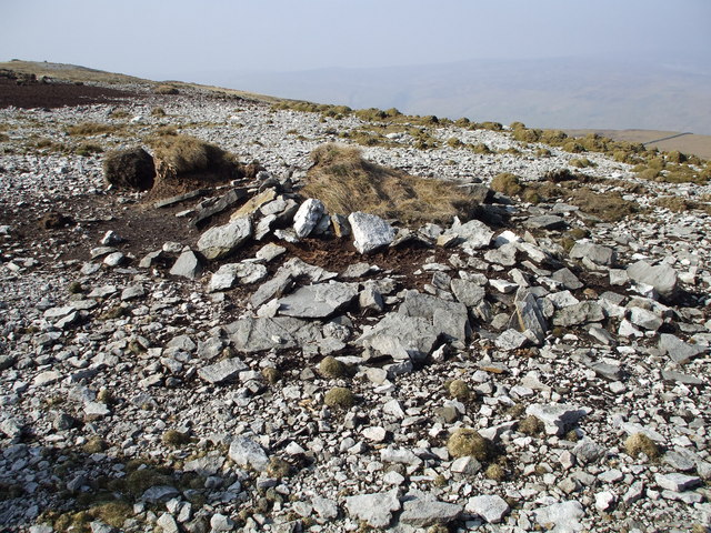 Cairn like feature on Crackpot Moor