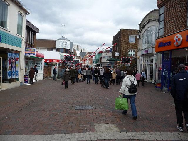 Poole : High Street & Level Crossing