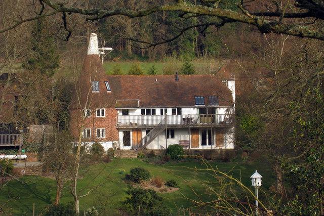 Earls Farm Oast, Wadhurst Road, Mark Cross, East Sussex