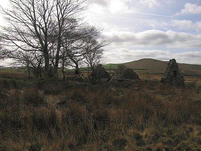 Ruined farm building near Cwm Gorffen
