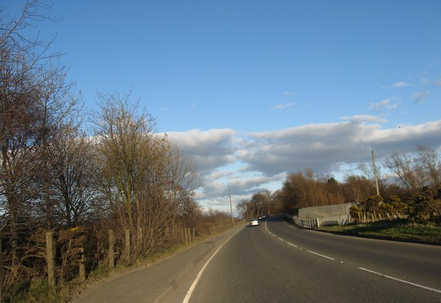 The A803 heading for Linlithgow