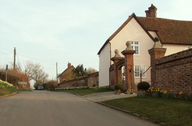 The approach to Haultwick village from the north west