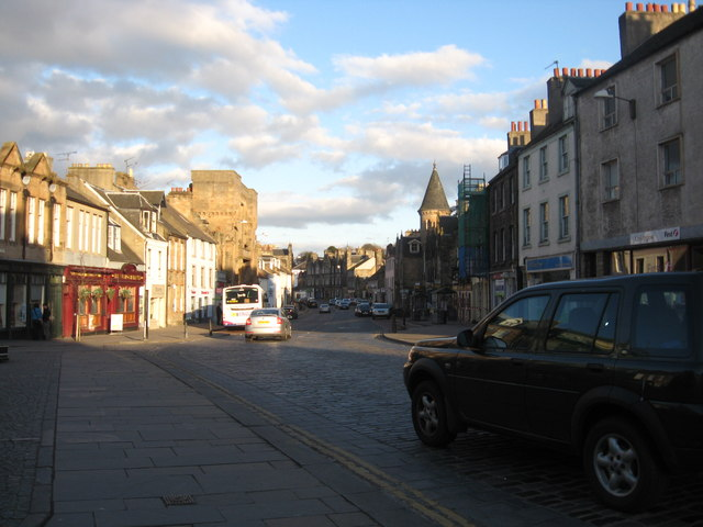 A view of Linlithgow High Street from the Cross