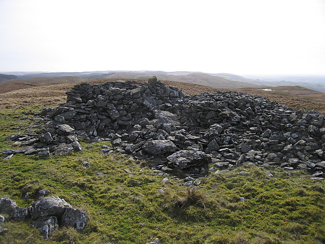 Ancient cairn on Garn Gron's main summit