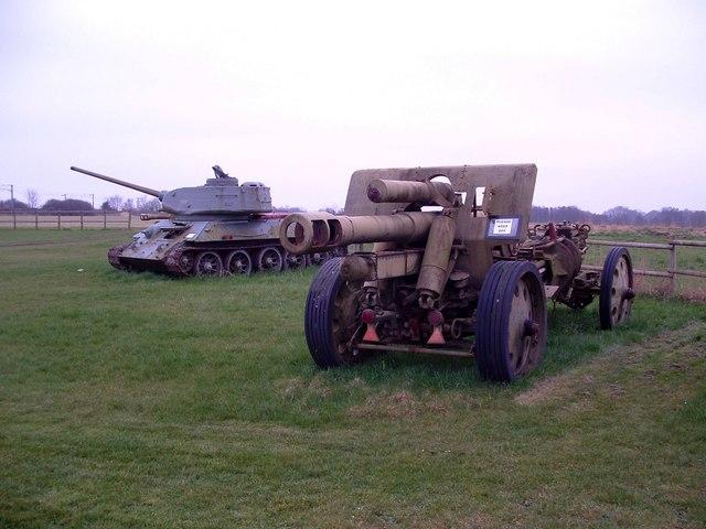 Old Army Tank and Gun, Bridge Farm Caravan Site