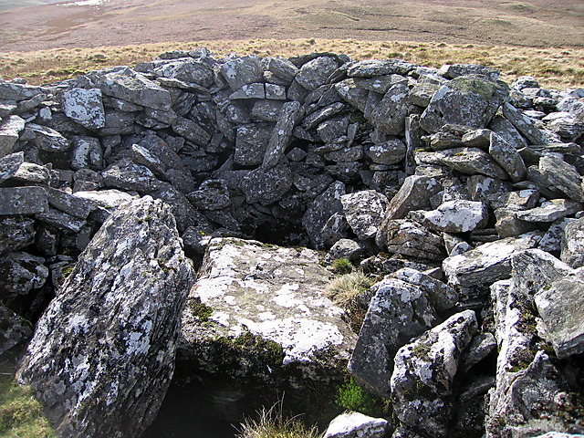Interior of the cairn on the west top of Garn Gron
