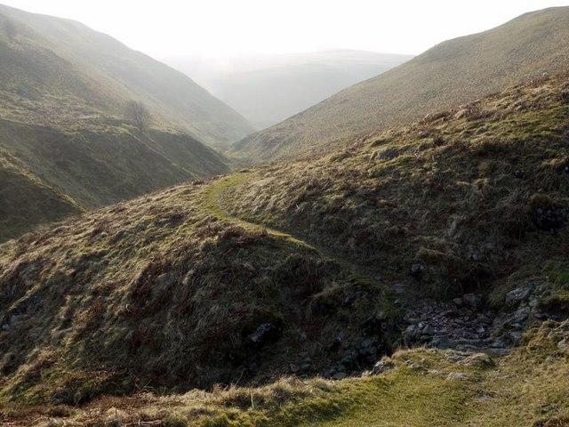 Footpath by Rookland Sike crosses Weasel Sike