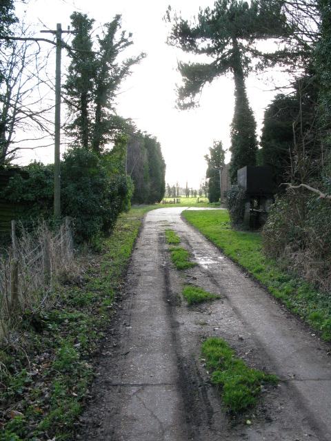 Farm track to Archer's Low Farm