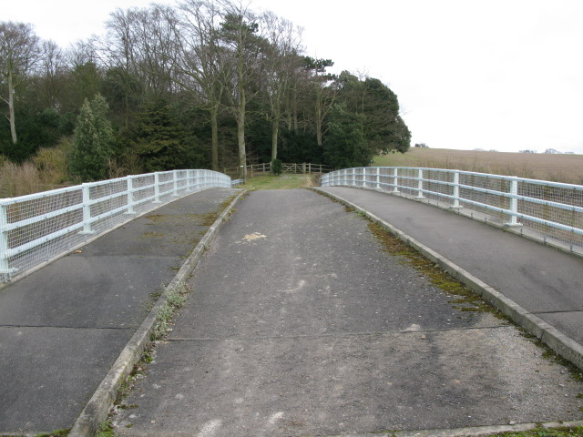 A bridge over the A256, Tilmanstone