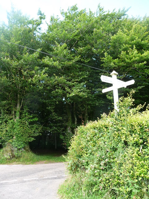 Mid Devon : Cobbacombe Cross Signpost & Road Junction