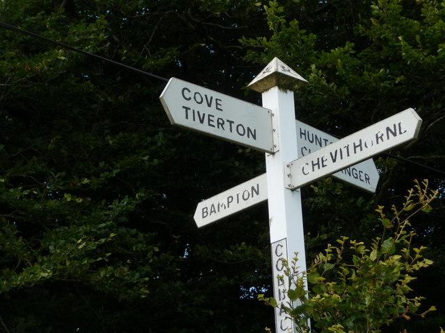 Mid Devon : Cobbacombe Cross Signpost